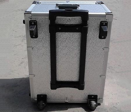 拉杆设备箱
