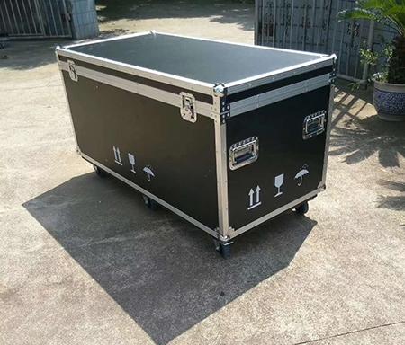 移动器材箱