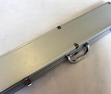 手提铝合金鱼竿箱